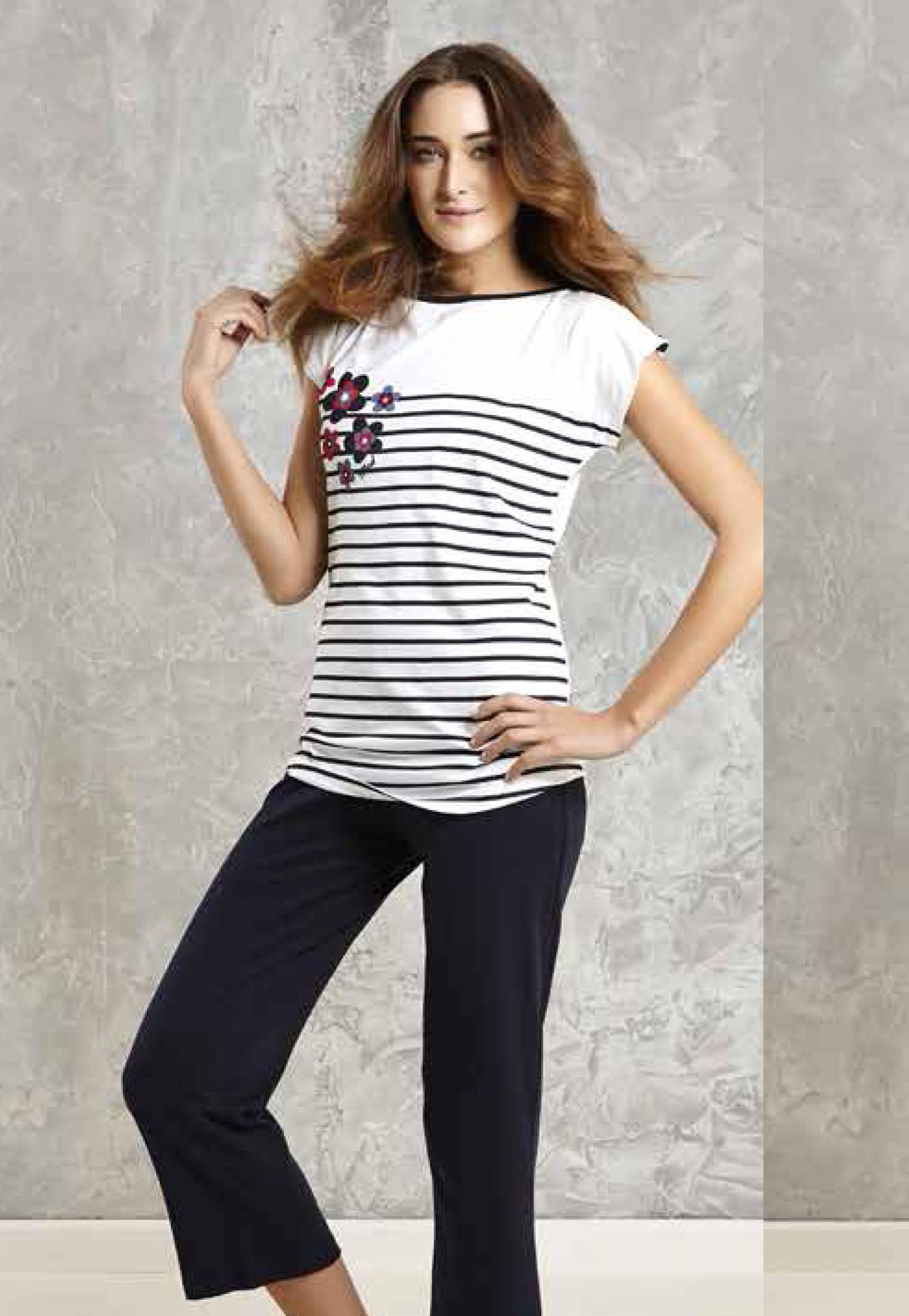 Mod Collection Bayan T-Shirt-Kapri Takımı 1413